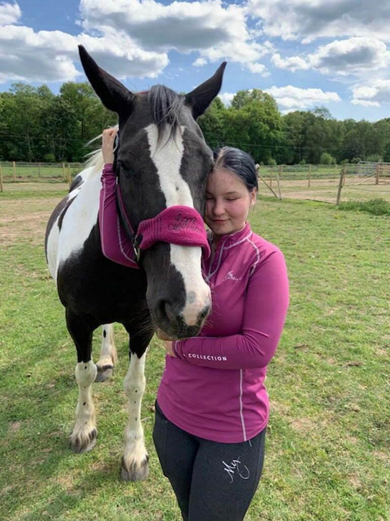 Leila_Daisy healing horse